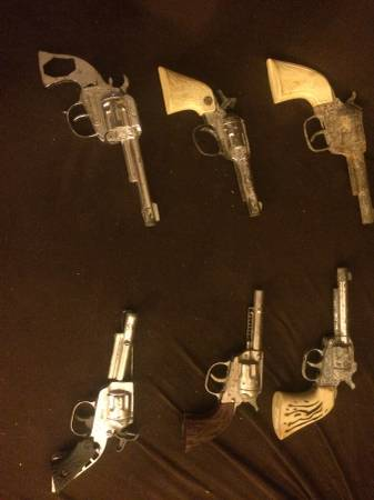 Image for 14 vintage toy cap-guns -