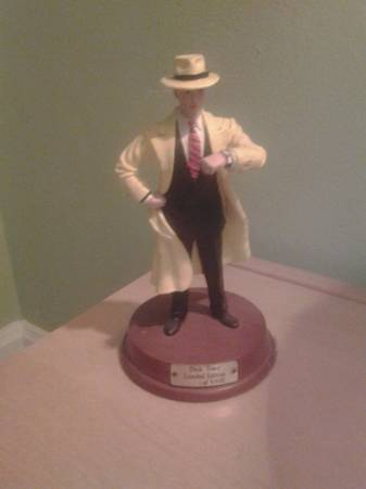 Image for Dick Tracy statuette 7 1/4  limited edition  2724 of 5000
