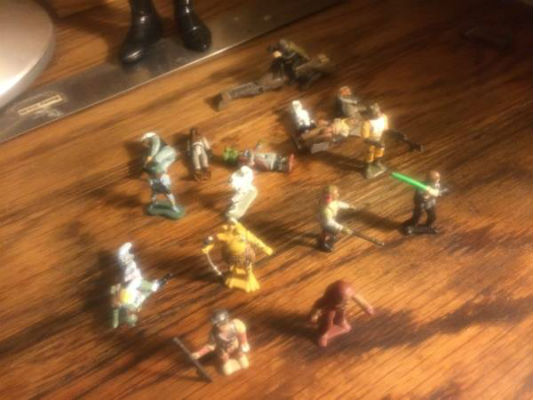 Image for Star Wars:16 Micro-machine figures