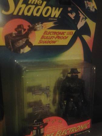 Image for The Shadow Deluxe Bullet-Proof Electronic Figure
