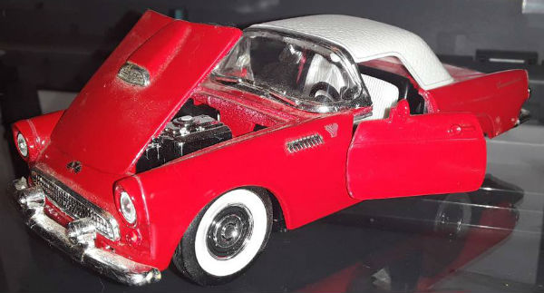 Image for Sunnyside Collection 1955 Ford Thunderbird Convertible 1:34 Diecast Model